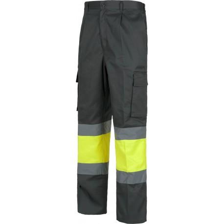 Pantalón recto, multibolsillos. Elástico en cintura